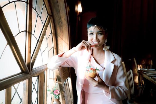Hoa hậu H'Hen Niê hào hứng đi khám phá New Zealand - Ảnh 3.