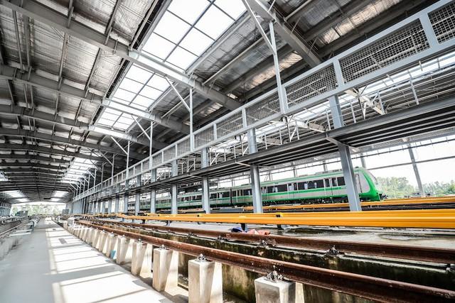 Hình ảnh chạy thử tàu trên tuyến đường sắt trên cao Cát Linh - Hà Đông  - Ảnh 2.
