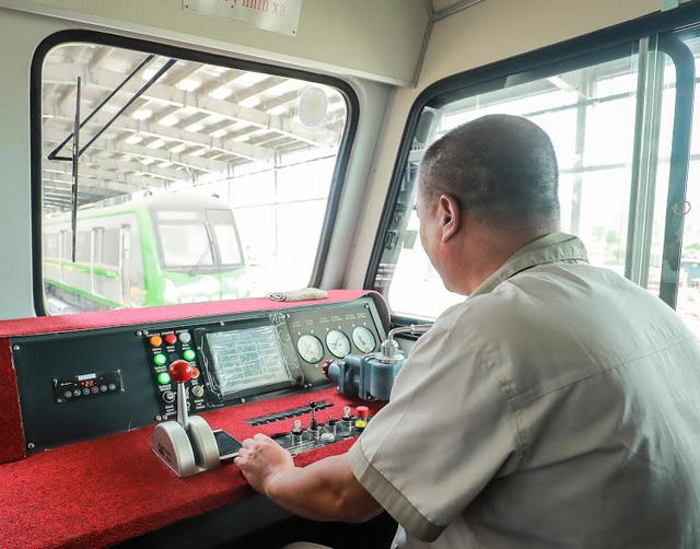 Hình ảnh chạy thử tàu trên tuyến đường sắt trên cao Cát Linh - Hà Đông  - Ảnh 5.