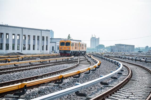 Hình ảnh chạy thử tàu trên tuyến đường sắt trên cao Cát Linh - Hà Đông  - Ảnh 8.