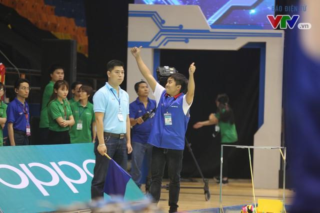 VCK Robocon Việt Nam: Đội chiến thắng mang theo hy vọng của những đội dừng bước - Ảnh 2.