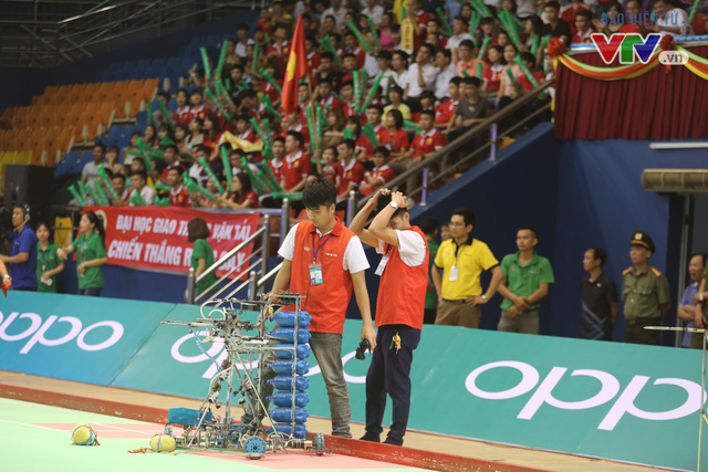 VCK Robocon Việt Nam: Đội chiến thắng mang theo hy vọng của những đội dừng bước - Ảnh 1.