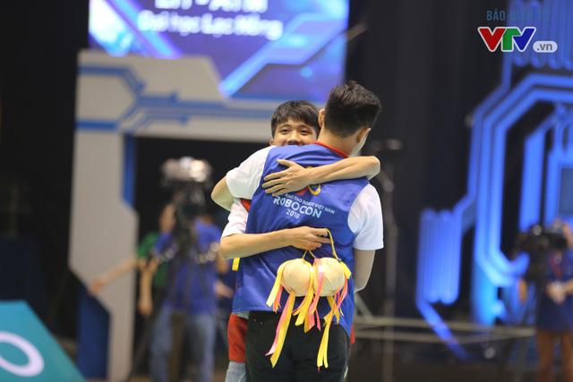 VCK Robocon Việt Nam: Đội chiến thắng mang theo hy vọng của những đội dừng bước - Ảnh 4.