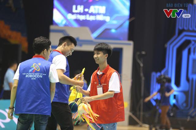 VCK Robocon Việt Nam: Đội chiến thắng mang theo hy vọng của những đội dừng bước - Ảnh 3.