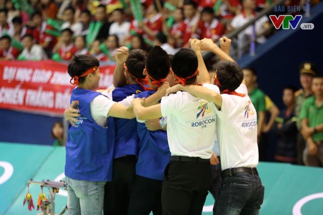 VCK Robocon Việt Nam: Đội chiến thắng mang theo hy vọng của những đội dừng bước - Ảnh 17.