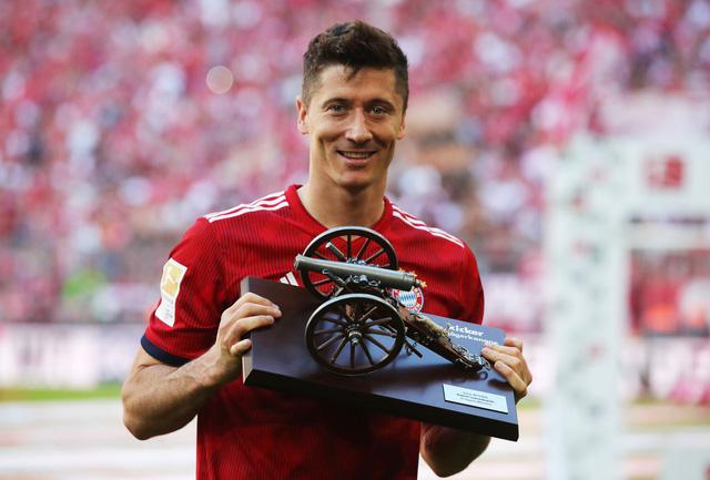 Ảnh: Bayern Munich ăn mừng chức vô địch Bundesliga 2017/18 - Ảnh 4.