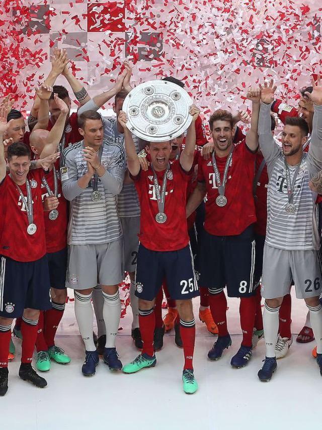 Ảnh: Bayern Munich ăn mừng chức vô địch Bundesliga 2017/18 - Ảnh 2.