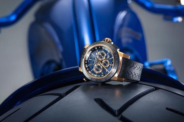 Ngắm chiếc Harley Davidson mạ vàng và kim cương đắt giá nhất thế giới - Ảnh 7.