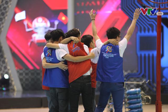 VCK Robocon Việt Nam: Đội chiến thắng mang theo hy vọng của những đội dừng bước - Ảnh 9.