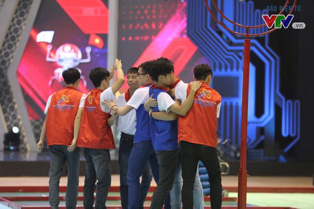 VCK Robocon Việt Nam: Đội chiến thắng mang theo hy vọng của những đội dừng bước - Ảnh 10.