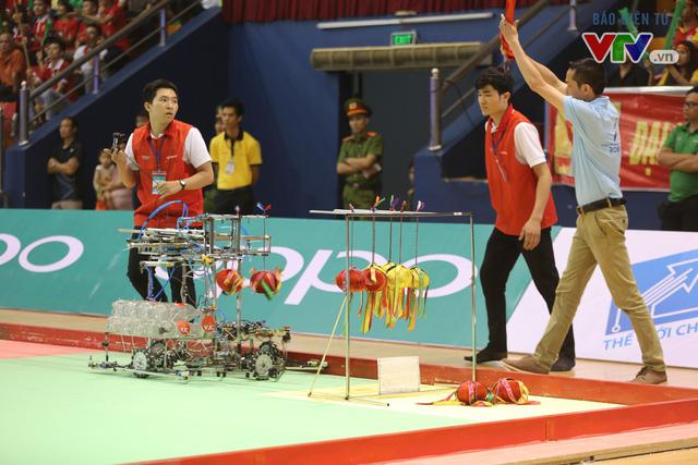 VCK Robocon Việt Nam: Đội chiến thắng mang theo hy vọng của những đội dừng bước - Ảnh 11.