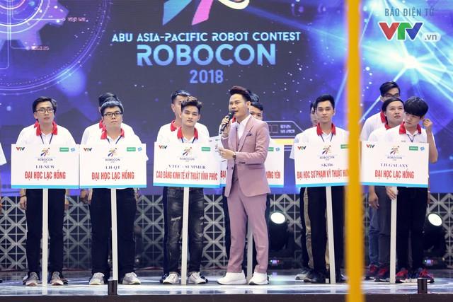 """""""Rồng bay"""" chỉ trong 22 giây, LH - ATM vô địch Robocon Việt Nam 2018 - Ảnh 1."""