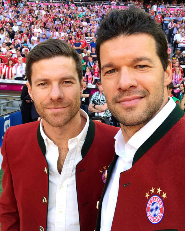 Ảnh: Bayern Munich ăn mừng chức vô địch Bundesliga 2017/18 - Ảnh 15.
