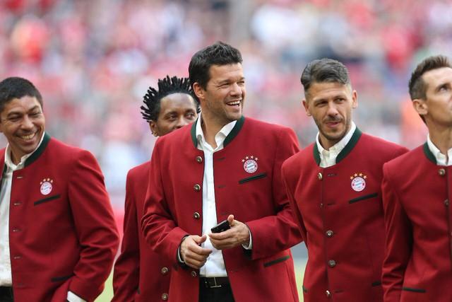 Ảnh: Bayern Munich ăn mừng chức vô địch Bundesliga 2017/18 - Ảnh 16.