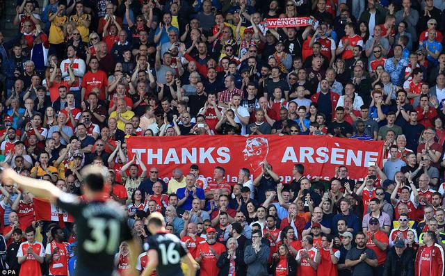 ẢNH: Trận đấu cuối cùng đầy cảm xúc của HLV Wenger - Ảnh 12.