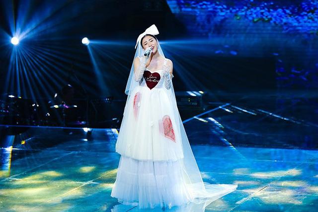 Văn Mai Hương mặc váy cưới, hóa cô dâu xinh đẹp trên truyền hình - Ảnh 5.