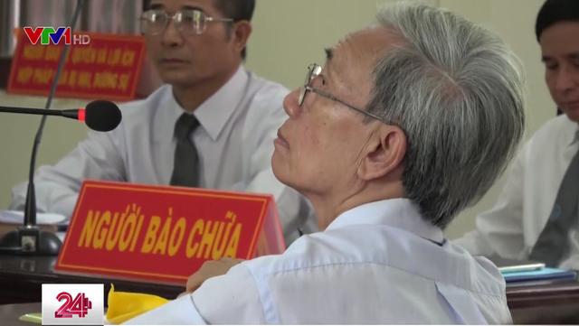 Thẩm phán tuyên án treo cho Nguyễn Khắc Thủy bị đình chỉ nhiệm vụ