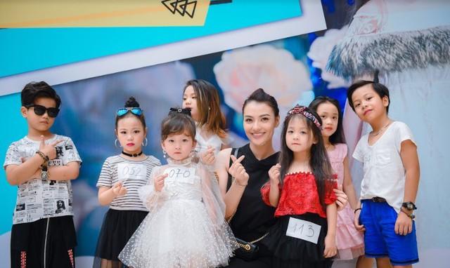 Vân Hugo, Hồng Quế cùng chấm casting Tuần lễ thời trang trẻ em - Ảnh 1.