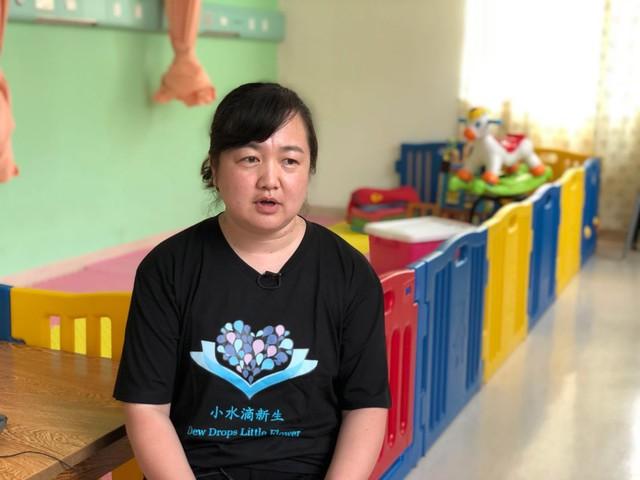 Trung Quốc: Người phụ nữ độc thân nuôi 2.000 trẻ mồ côi - Ảnh 1.
