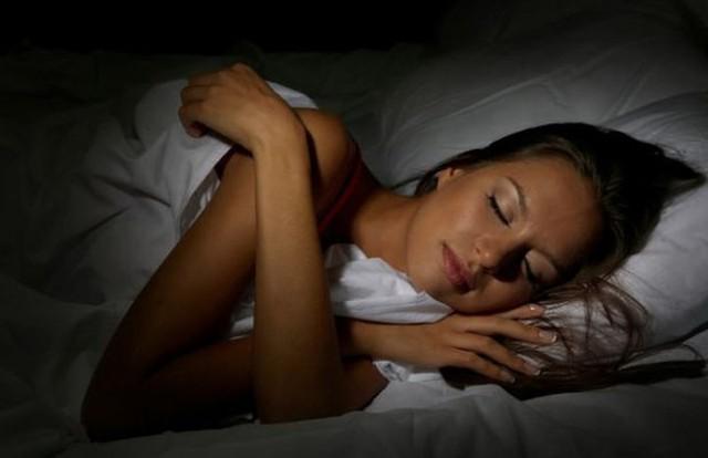 Giảm cân bằng giấc ngủ thật dễ dàng - Ảnh 1.