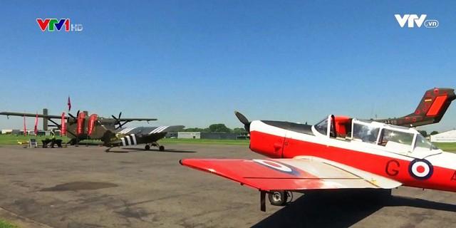 Thú vị cuộc thi đáp máy bay trên cát tại Bỉ - Ảnh 1.