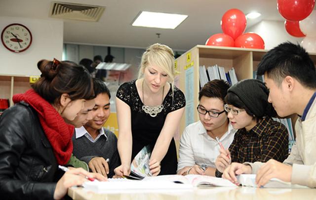 Trực tiếp Thế hệ số 18h30 (16/5):  Trưởng phòng marketing tại Trung tâm Anh ngữ ACET chia sẻ hành trình từ số 0 tới chinh phục tiếng Anh - Ảnh 1.