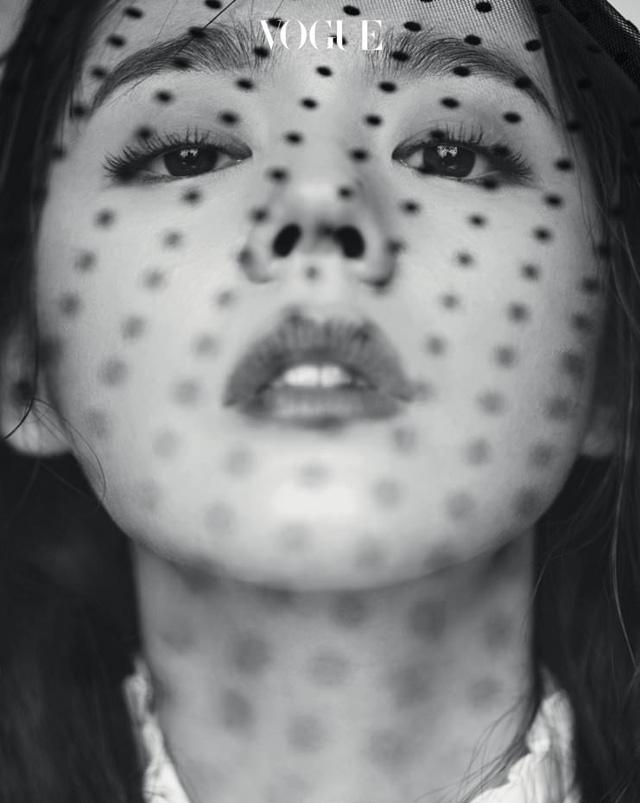 Han Ga In khoe góc mặt đẹp thần thánh - Ảnh 7.