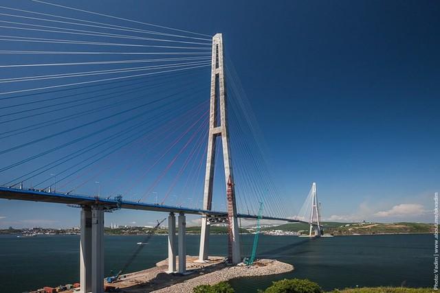 Du khách sẽ rùng mình khi đi trên những cây cầu này - Ảnh 17.