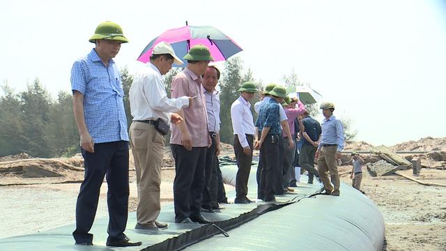Triển khai hệ thống đê mềm chống lũ tại tỉnh Nam Định - Ảnh 2.