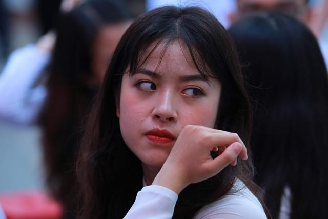 Học sinh lớp 12 Việt Đức bịn rịn chia tay tuổi học trò - Ảnh 5.
