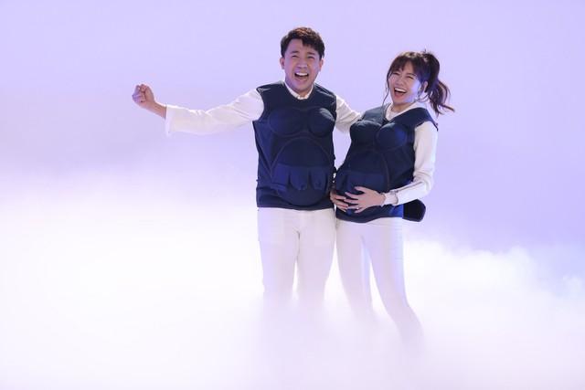 Khi đàn ông mang bầu 2018: Vừa mở màn, Trấn Thành - Hari Won đã có phát ngôn đậm chất ngôn tình - Ảnh 1.