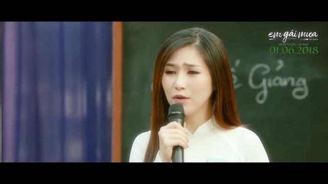 Hương Tràm nhớ lại thời trốn học đi hát trong MV Nhắn gửi thanh xuân - Ảnh 1.