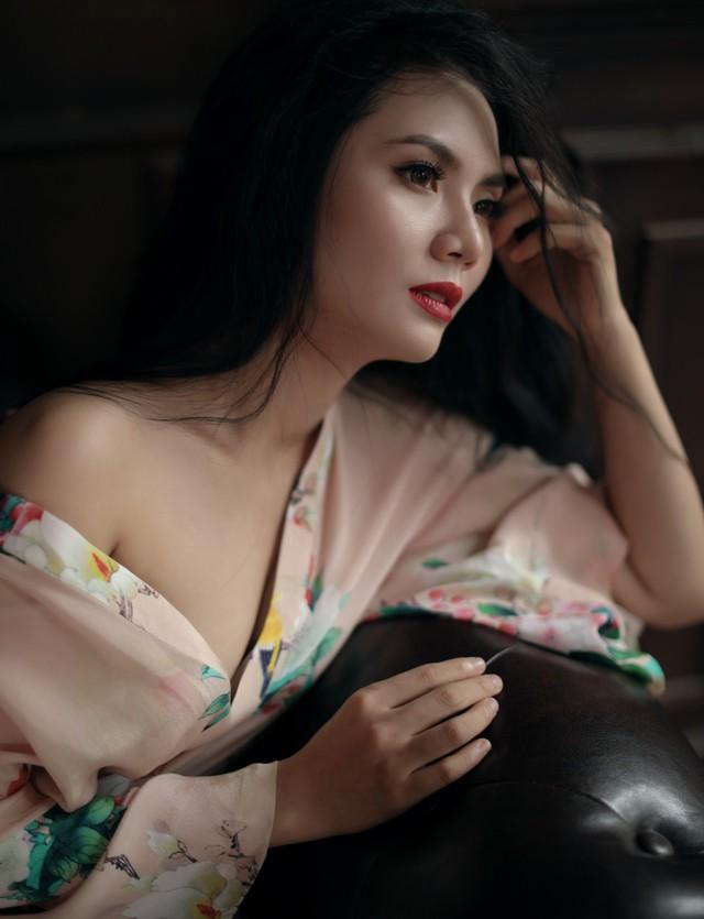 Gái quê  Lương Nguyệt Anh bất ngờ gợi cảm trong bộ ảnh mới - Ảnh 2.