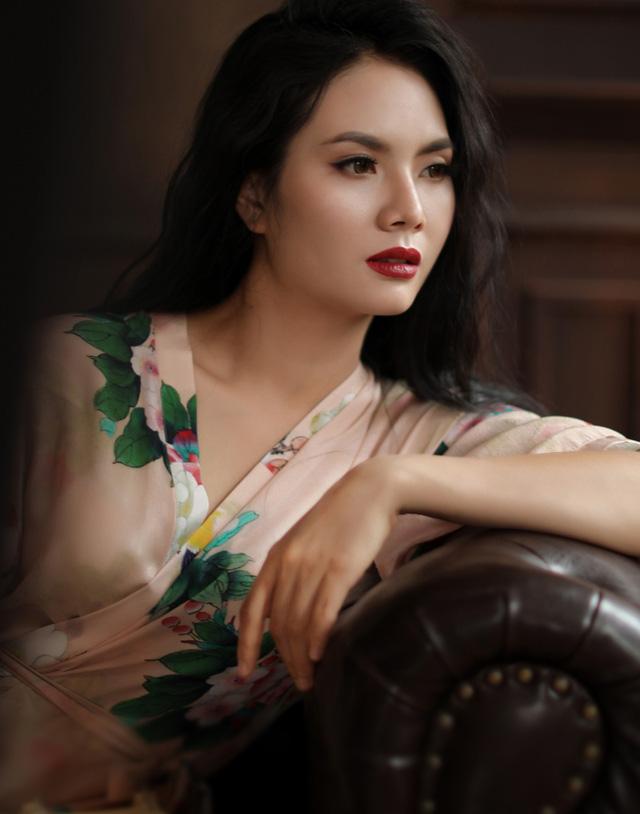 Gái quê  Lương Nguyệt Anh bất ngờ gợi cảm trong bộ ảnh mới - Ảnh 1.