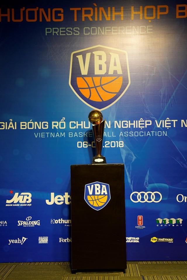 Họp báo công bố giải bóng rổ chuyên nghiệp Việt Nam - VBA 2018 - Ảnh 2.