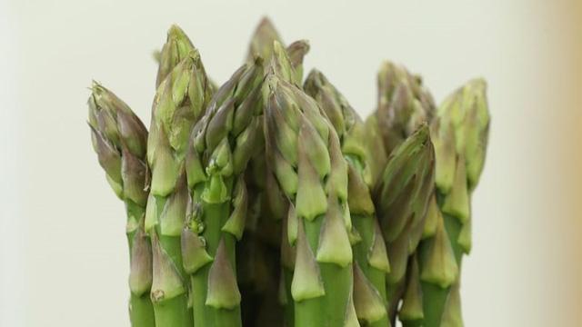 Chuyên gia dinh dưỡng khuyên phụ nữ nên ăn nhiều những thứ này - Ảnh 6.