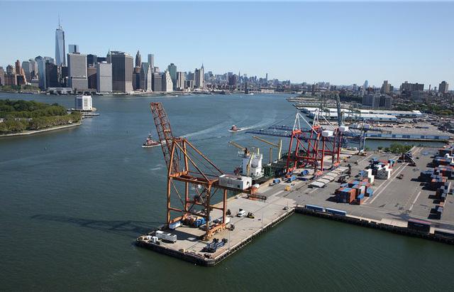Cảng biển Mỹ gặp khó vì căng thẳng thương mại Mỹ-Trung - Ảnh 1.