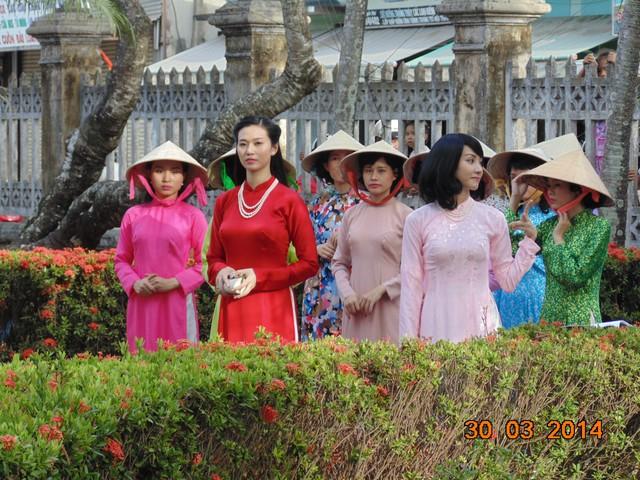 Khánh My và Ngân Khánh trở lại thời xưa hóa Mỹ nhân Sài Thành - Ảnh 2.
