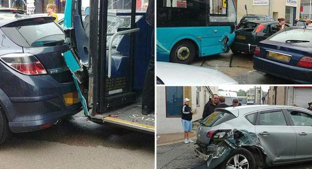 Xe bus đâm 25 ô tô đậu trên phố mua sắm ở Anh, ít nhất 14 người bị thương - Ảnh 2.