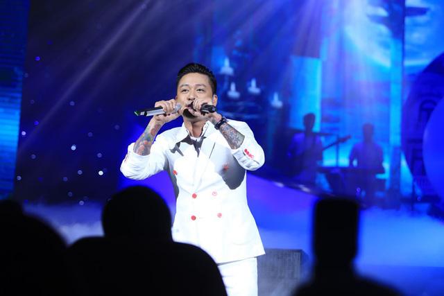 Đàm Vĩnh Hưng, Tuấn Hưng, Quang Hà khiến khán giả Hà Nội đứng ngồi không yên - Ảnh 8.