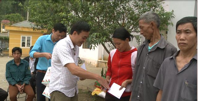 Hỗ trợ đồng bào nghèo tỉnh Bắc Kạn sau thiên tai, mưa đá - Ảnh 2.