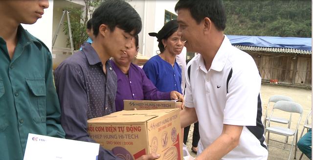 Hỗ trợ đồng bào nghèo tỉnh Bắc Kạn sau thiên tai, mưa đá - Ảnh 1.