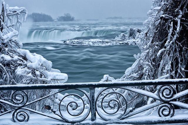 Giật mình trước chùm ảnh về mùa đông lạnh giá ở Bắc Mỹ - Ảnh 3.