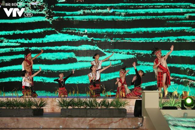 Tổng duyệt Gala Trái đất xanh: Tất cả đã sẵn sàng cho ngày hội của thiếu nhi quốc tế - Ảnh 16.