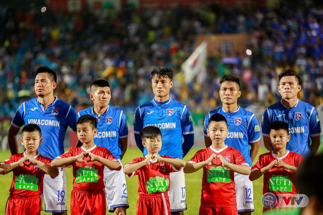 Hạ HAGL, Than Quảng Ninh củng cố ngôi nhì bảng - Ảnh 2.