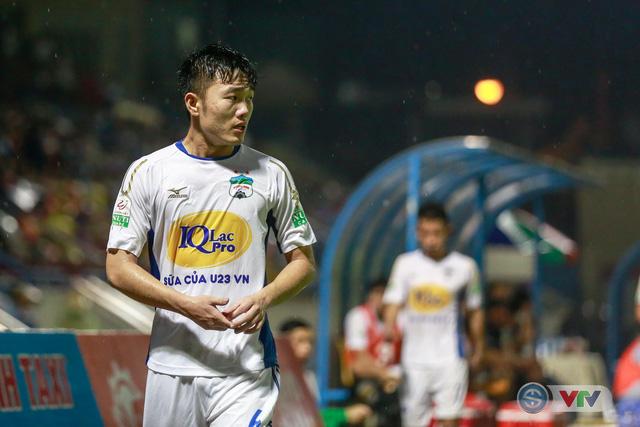 Hạ HAGL, Than Quảng Ninh củng cố ngôi nhì bảng - Ảnh 20.
