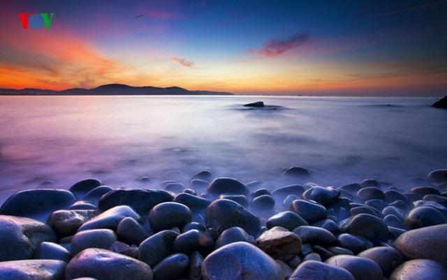 Những bãi biển tuyệt đẹp ít người biết tới ở Việt Nam - Ảnh 10.