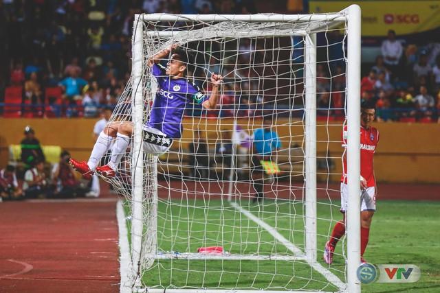 CLB Hà Nội đại thắng Than Quảng Ninh, kéo dài mạch bất bại - Ảnh 15.