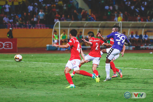 CLB Hà Nội đại thắng Than Quảng Ninh, kéo dài mạch bất bại - Ảnh 18.