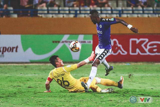 CLB Hà Nội đại thắng Than Quảng Ninh, kéo dài mạch bất bại - Ảnh 21.
